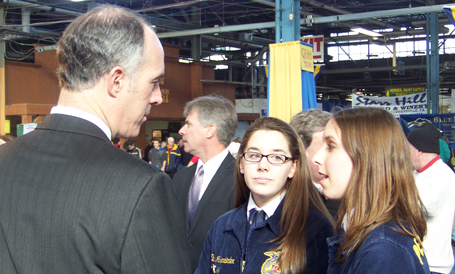 Senator Casey speaks to students at the PA Farm Show